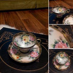 🦋2/$10 3/$15 4/$18 5/$20 Vintage Floral Tea Set